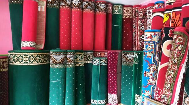 Pembagian Harga Karpet Masjid, Mau Beli yang Mana?